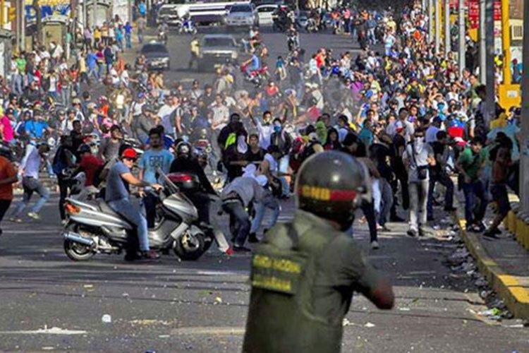 marcha-opositora-venezuela.jpg