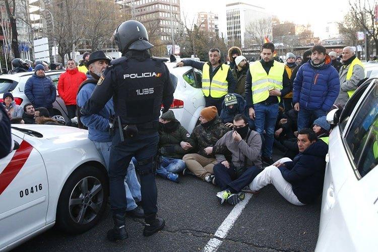 protesta-de-taxis-en-madird.jpg