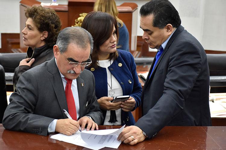 Diputado-Pedro-Carrizales-Becerra.jpg