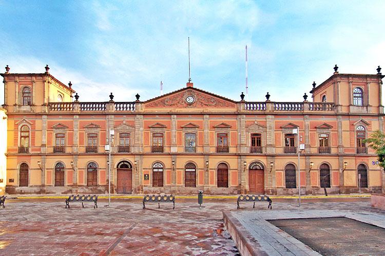 Edificio-Central-de-la-Universidad-Autonoma-de-San-Luis-Potosi.jpg