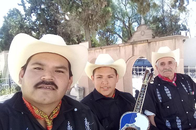 Trio-Huasteco-Alegria-Xilitlense.jpg