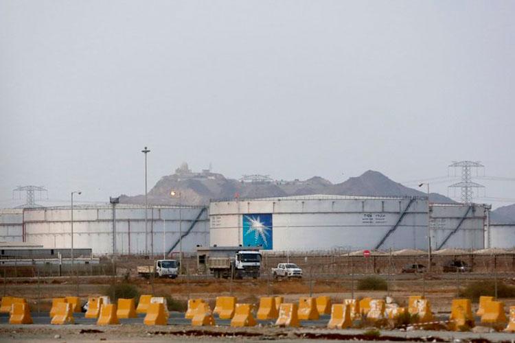 tanques-de-almacenamiento-en-planta-en-yidda-del-norte.jpg