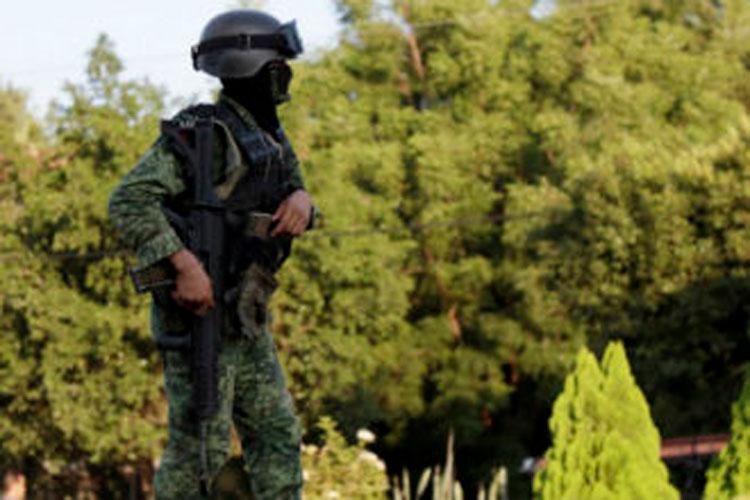 militares-en-aguililla-michoacan.jpg