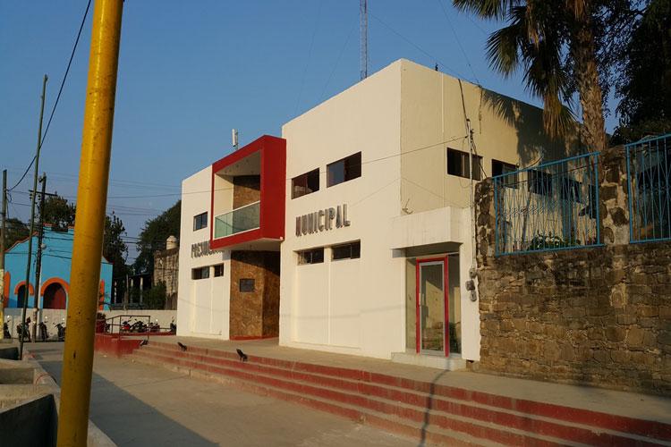 fachada-de-presidencia-municipal-de-Tampacan.jpg