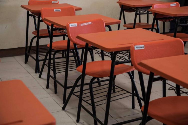 bancos-aula-salon-de-clases.jpg