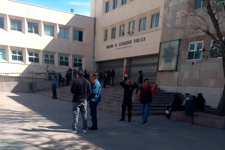 jubilados-protestan-en-seguridad-y-palacio.jpg