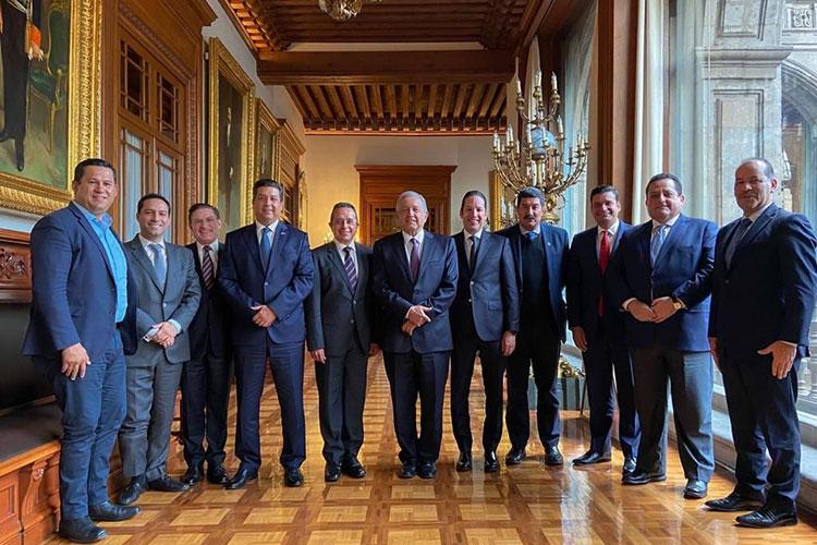 gobernadores-pan-con-presidente-mexico.jpg