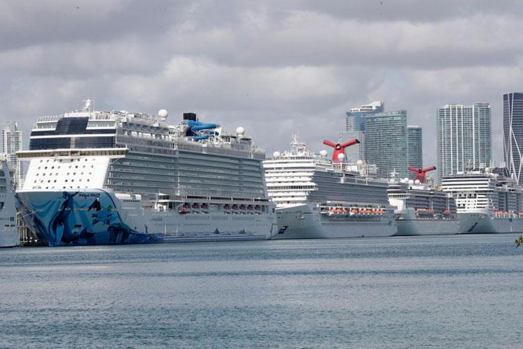 cruceros-en-puerto-de-miami.jpg