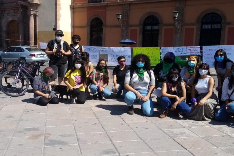 protesta-de-alumnas-en-la-UASLP.jpg