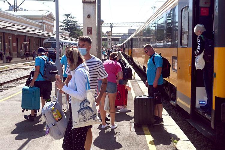 turistas-croacia.jpg