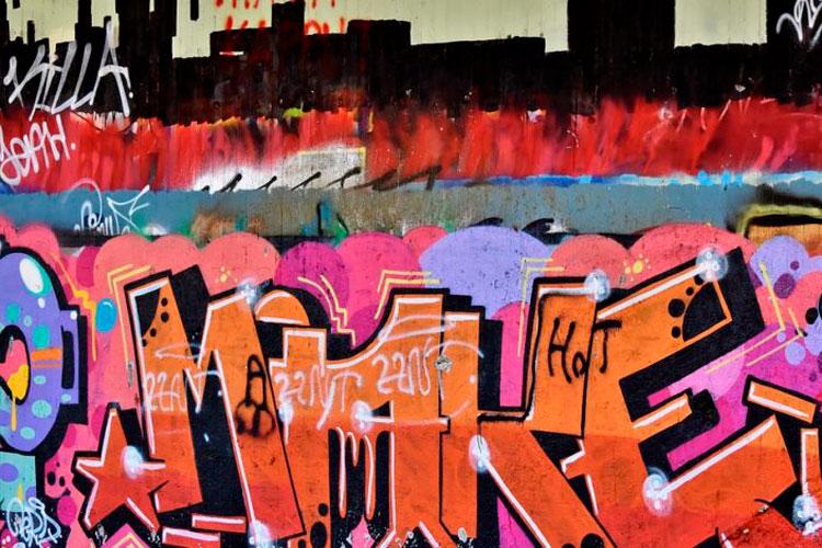 muro-de-la-memoria-en-aldea-francesa.jpg