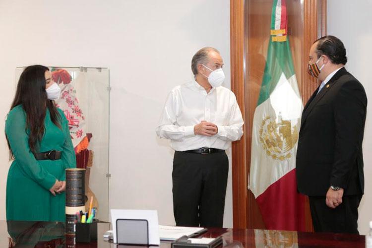 Mario-Adolfo-Bucaro-Flores-y-jm-carreras.jpg