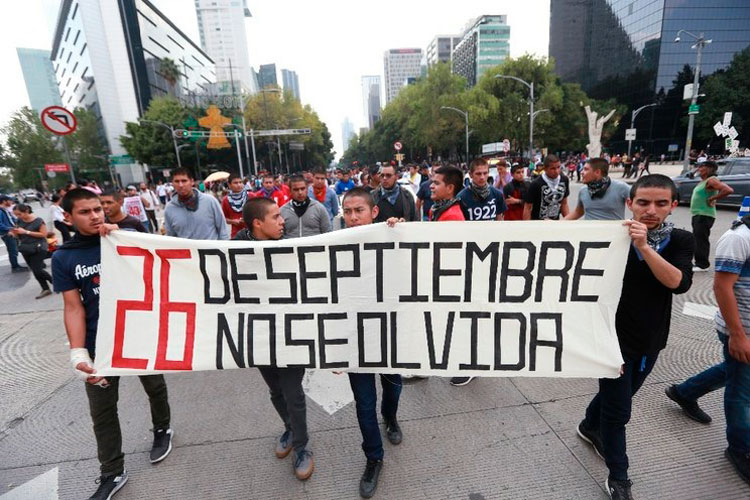 caso-ayotzinapa-43-nornalistas.jpg