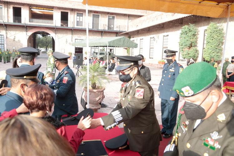 condecoraciones-a-personal-militar.jpg
