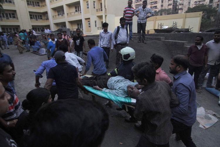 incendio-en-hospital-en-india.jpg