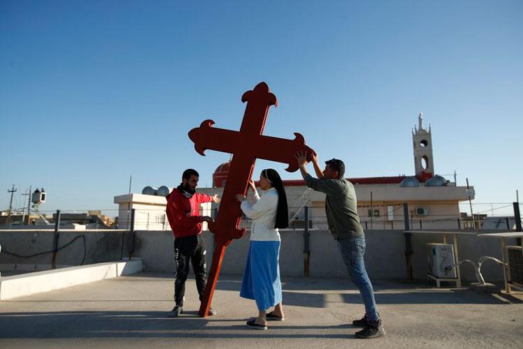 cristianos-irakies-visita-papa.jpg