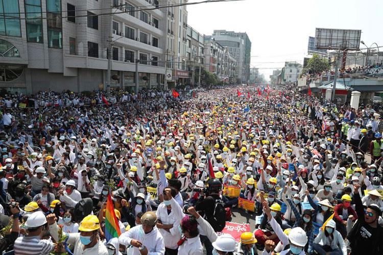 protesta-en-myanmar-1.jpg