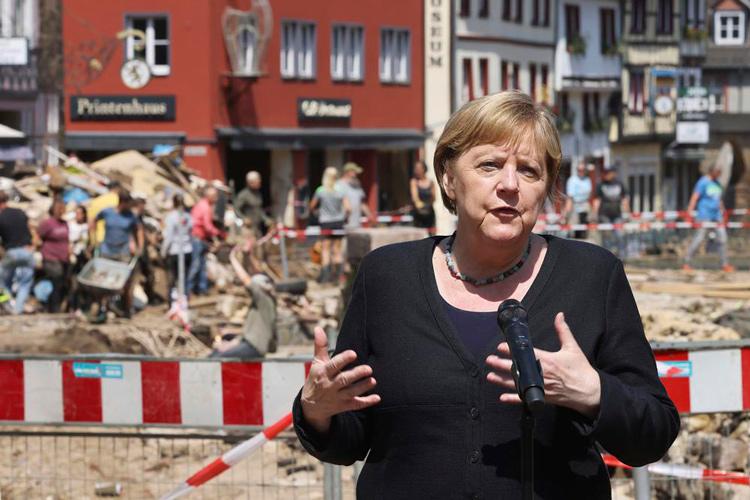 Angela-Merkel-inundaciones-europa.jpg