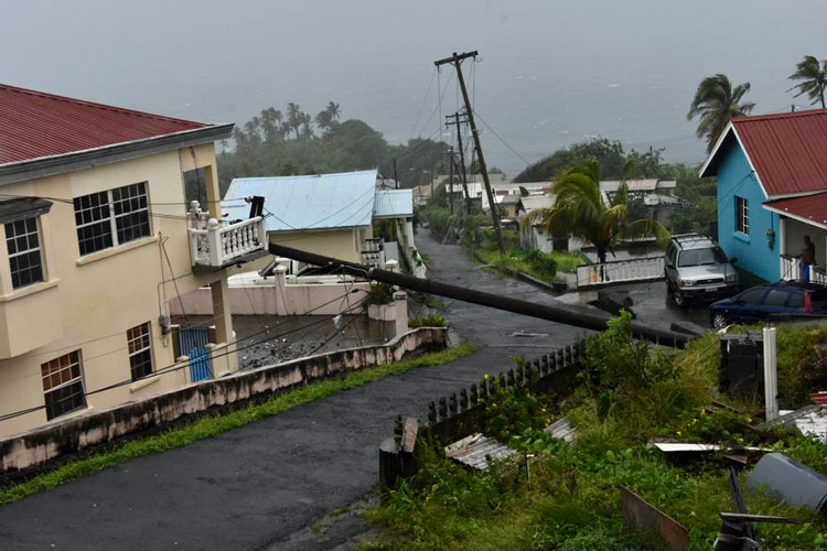 huracan-elsa-1.jpg